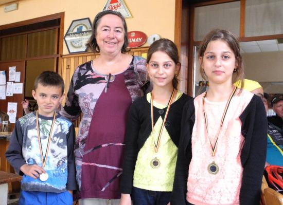 Les médaillés en présence de Brigitte GALLEZ